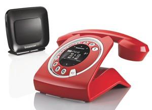 Sagemcom Sixty Everywhere rouge : une oreille dans le rétro
