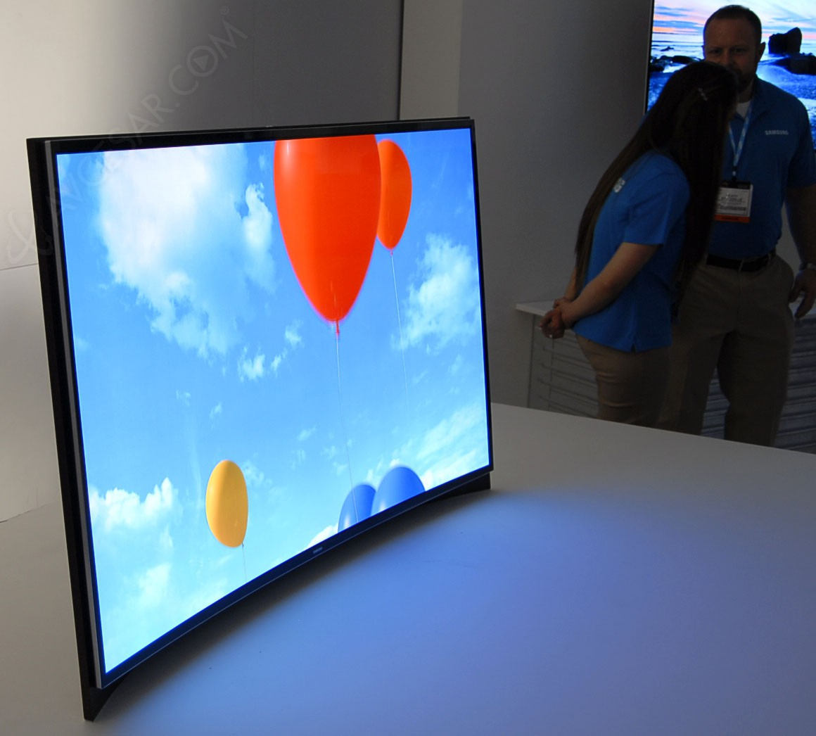 tv oled samsung kn55s9 courbe en magasins en cor e et 75 39 39 en approche. Black Bedroom Furniture Sets. Home Design Ideas