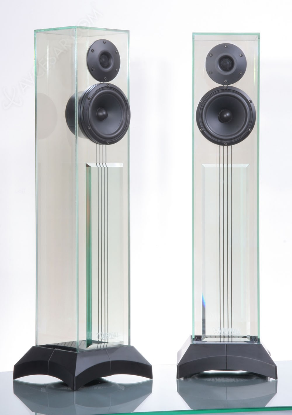 Waterfall professional custom series d voil e au salon - Salon hifi home cinema ...