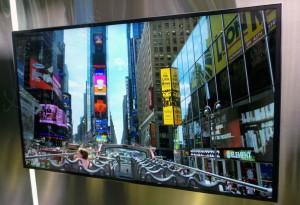 CES 14 > TV LED Samsung 85'' flexible : véritable prouesse technique