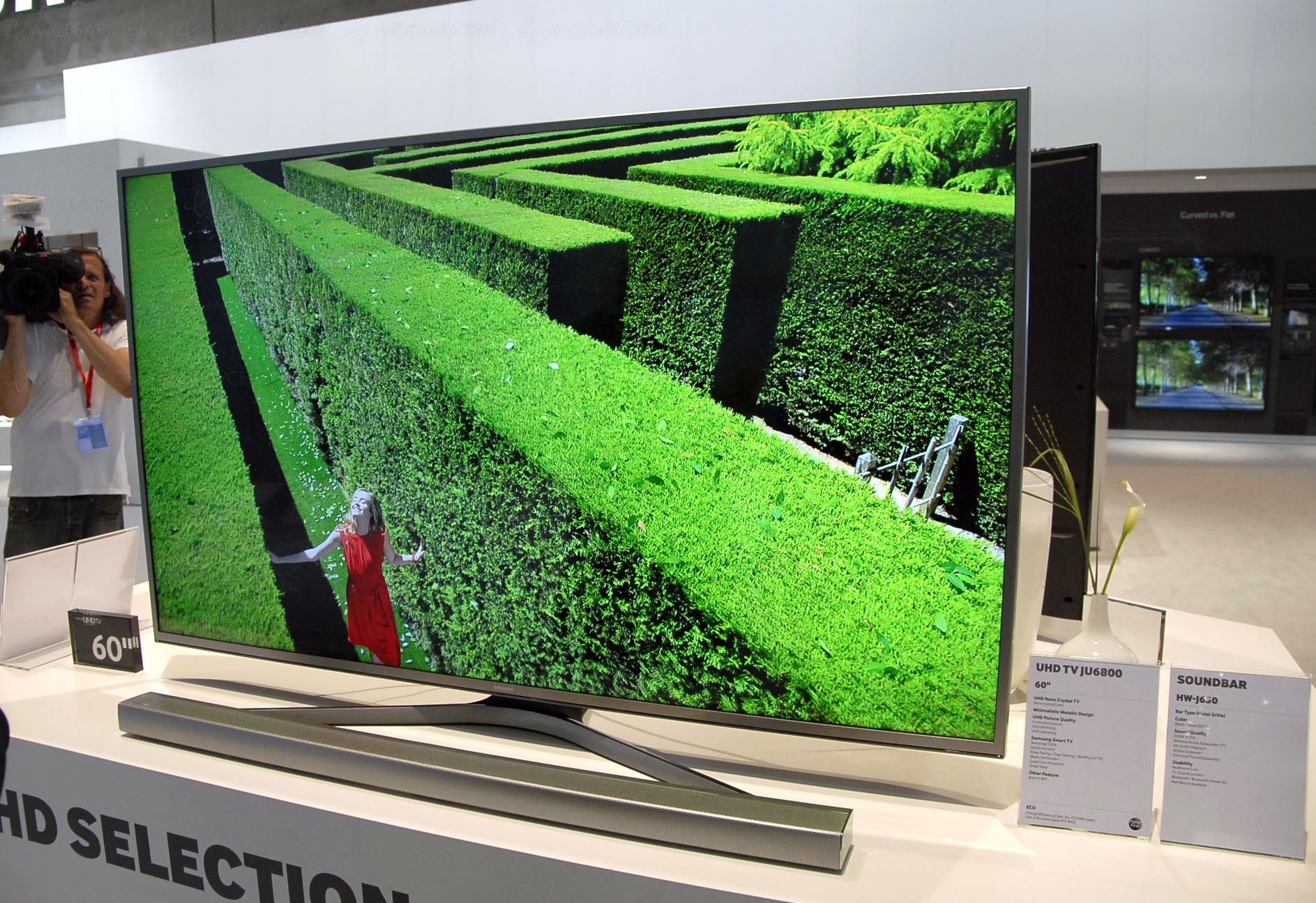 ifa 15 tv ultra hd samsung 2015 mise jour hdmi pour hdr. Black Bedroom Furniture Sets. Home Design Ideas