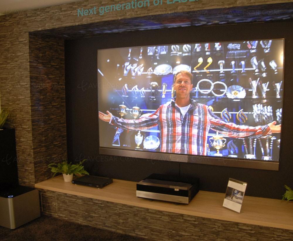 ifa 15 hisense vidaa max 2 vid oprojecteur tv laser courte focale. Black Bedroom Furniture Sets. Home Design Ideas