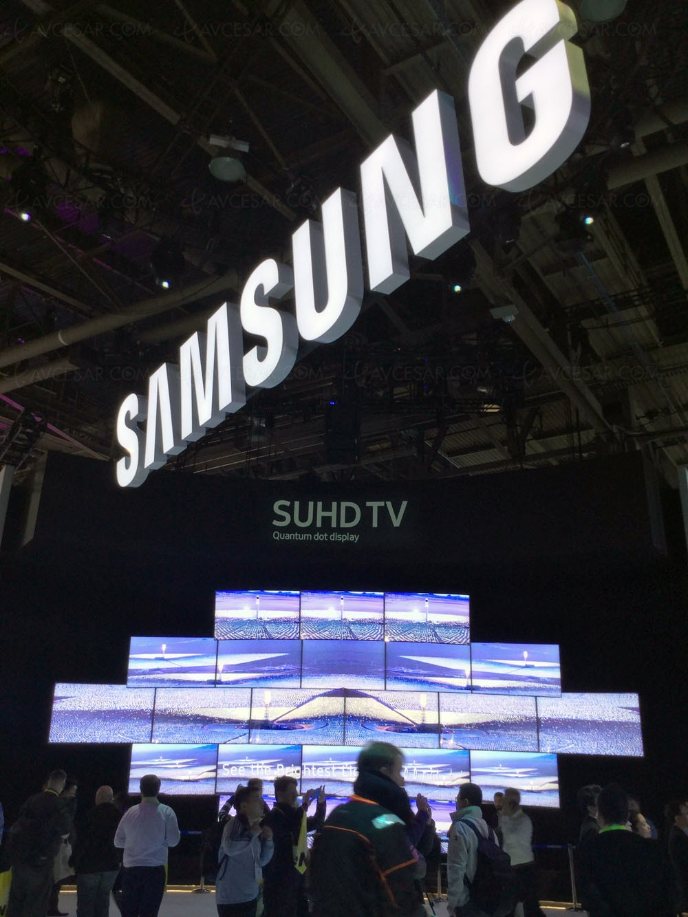 ces 16 tv led suhd samsung ks9500 mise jour pic lumineux. Black Bedroom Furniture Sets. Home Design Ideas