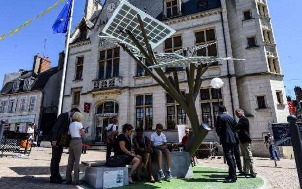 e-Tree, le tout premier arbre connecté français pousse à Nevers