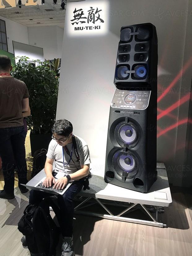 IFA 17 > Tour audio Muteki Sony MHC‑V90DW, Hi‑Res Audio et jeu de lumière