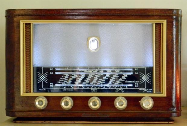 Acoustic Vintage revisite les vieux postes TSF (avec code promo pour les fêtes)