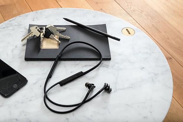 CES 18 > Écouteurs sans‑fil Libratone Track+