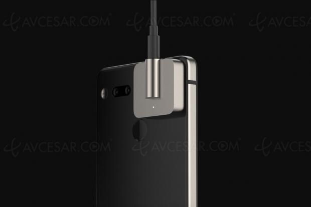 Prise mini‑Jack 3,5mm détachable sur le smartphoneEssential