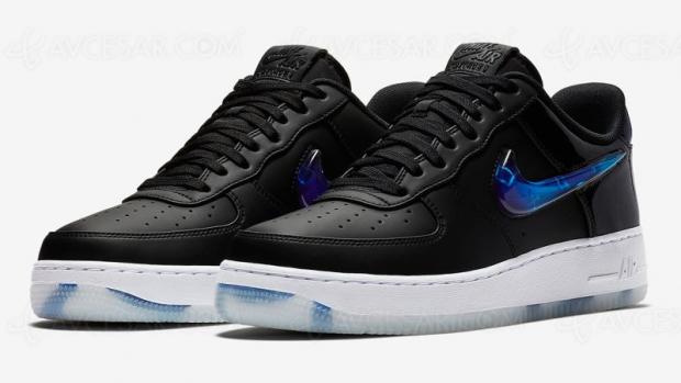 Baskets Nike Air ForceOne PlayStation de retour dans les magasins après douzeans…