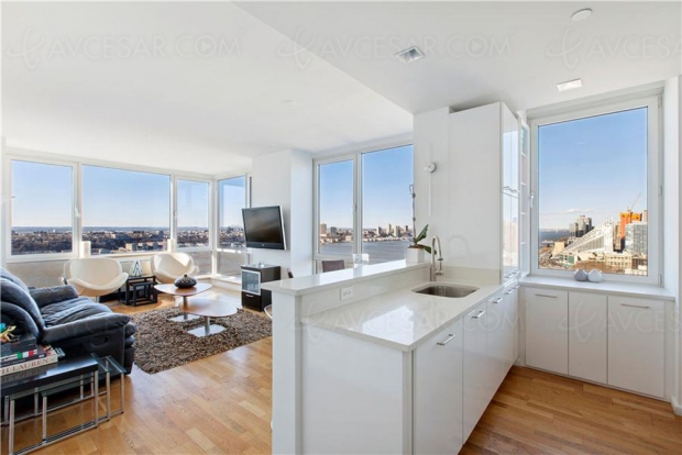Appartement complètement fou à vendre à New York : Home Cinéma 24 places, yacht et tickets pour l'espace !