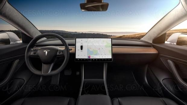 Netflix et YouTube arrivent sur les voitures Tesla