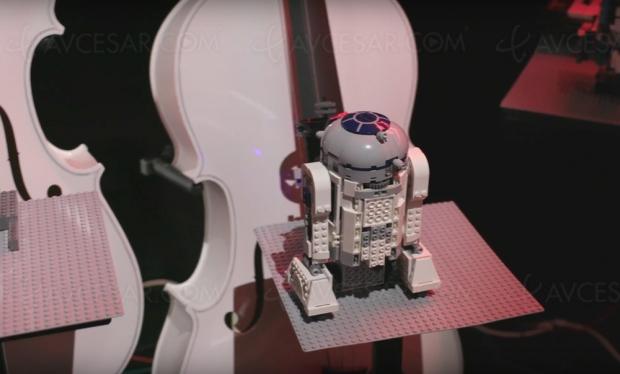 Quand des droïdes Lego jouent le thème de Star Wars