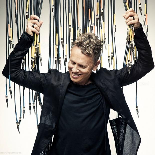 Martin Gore de Depeche Mode vend des synthétiseurs perso sur Reverb pour la bonne cause