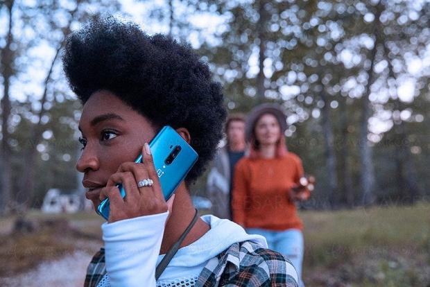 Smartphone OnePlus 7T Pro, écran 90 Hz 6,67'' et caméra selfie pop‑up
