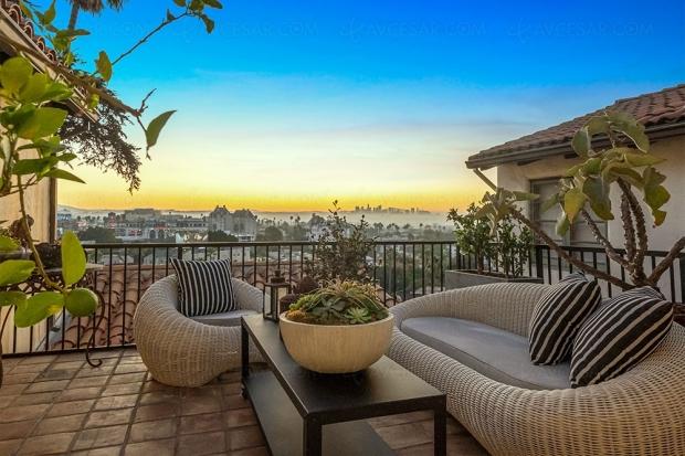 Aaron Paul (Breaking Bad, El Camino) vend sa villa de Los Angeles et achète celle de Jim Parsons (The Big Bang Theory)