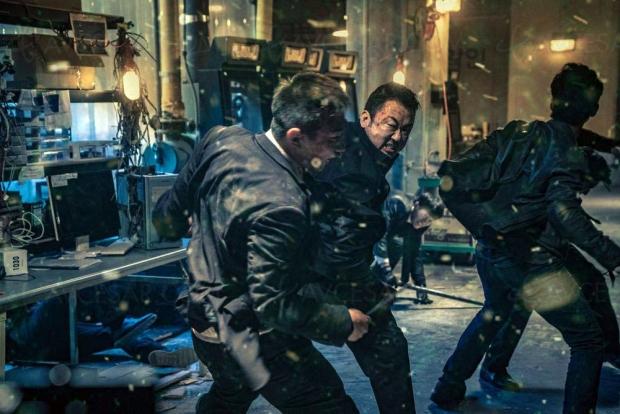 Le gangster, le flic et l'assassin, un thriller coréen musclé disponible le 2 décembre, avant le remake US