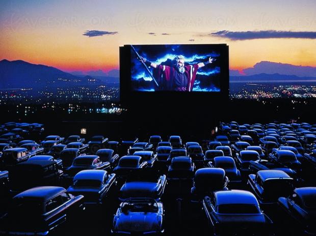 Cinémas drive-in en Corée : pas de contact mais de la culture, même en voiture