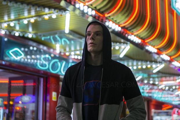 VS, un drame social aux accents hip-hop avec Connor Swindells (Sex Education)