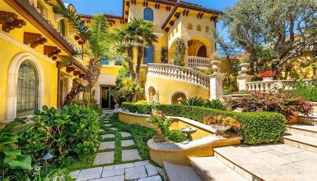 Maison à vendre : qui veut un Home Cinéma rococo à Malibu ?