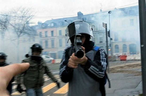Lancement Jour2Fête VOD : le doc choc de David Dufresne Un pays qui se tient sage