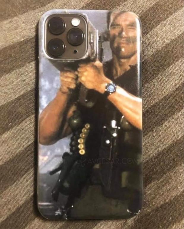 Arnold Schwarzenegger possède LA coque iPhone que tout le monde veut