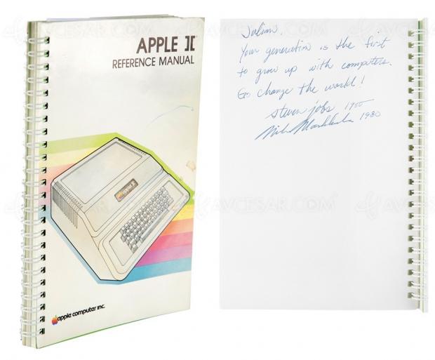 670 000 € la notice de l'ordinateur Apple II (1977)