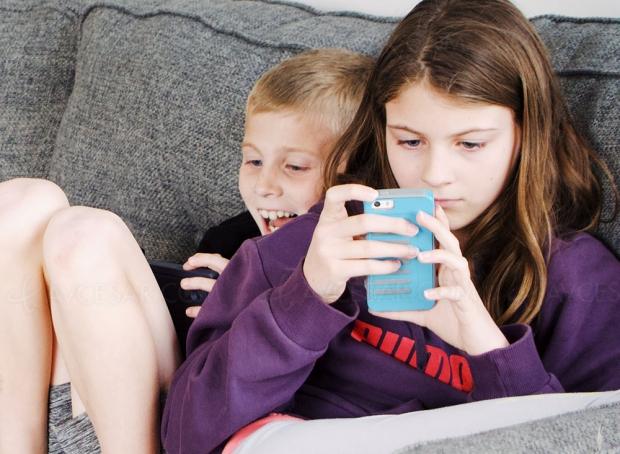 Premier smartphone entre 7,5 et 8 ans, vous en dites quoi ?
