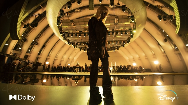 Billie Eilish (James Bond) en live virtuel Dolby Vision et Dolby Atmos sur Disney+