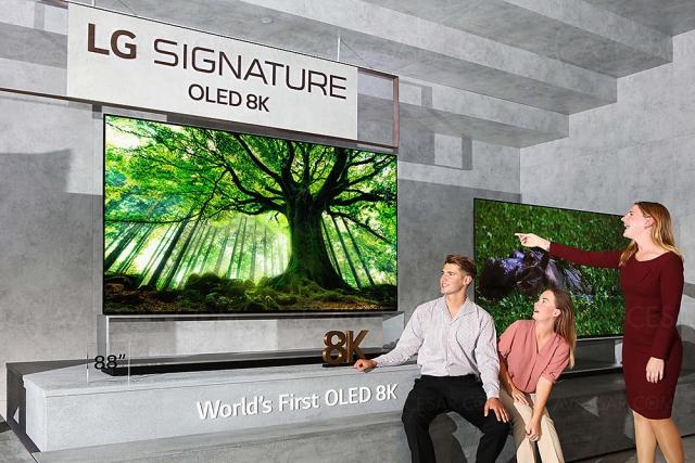 TV Oled LG 97'' (246 cm) prévu en 2022