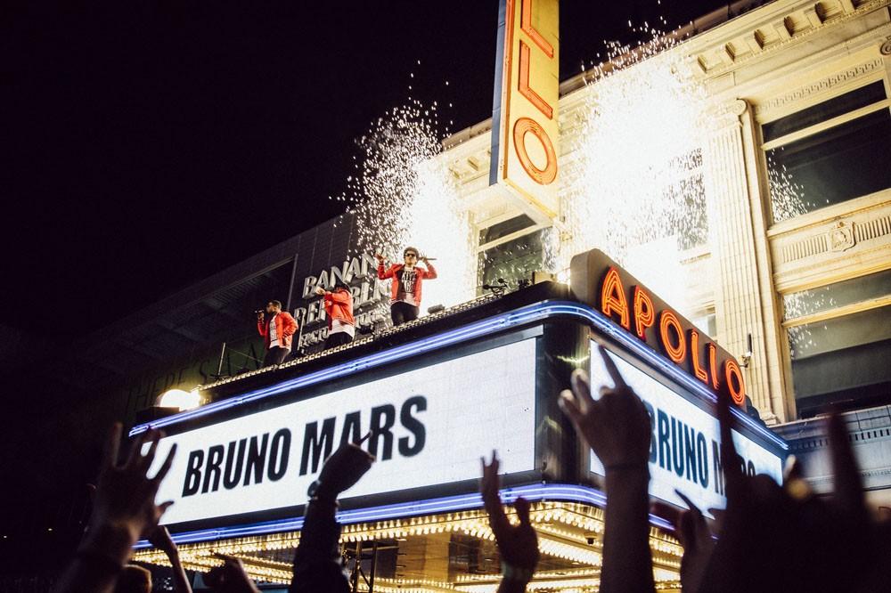 Bruno Mars Presents: 24K Magic - Live at theApollo (2017)