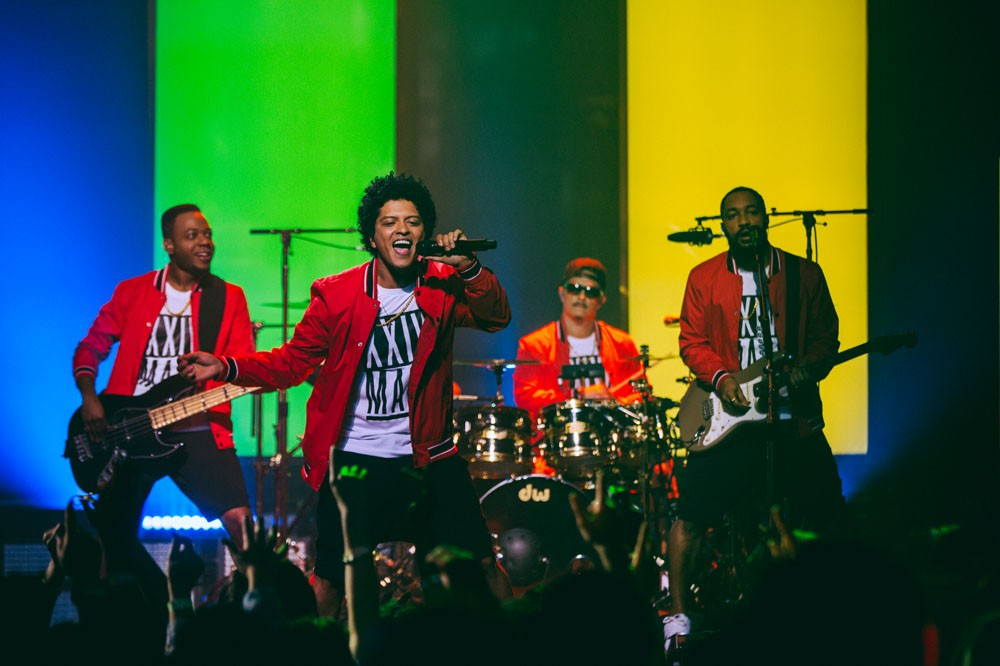 Bruno Mars Presents : 24K Magic - Live at the Apollo (2017)
