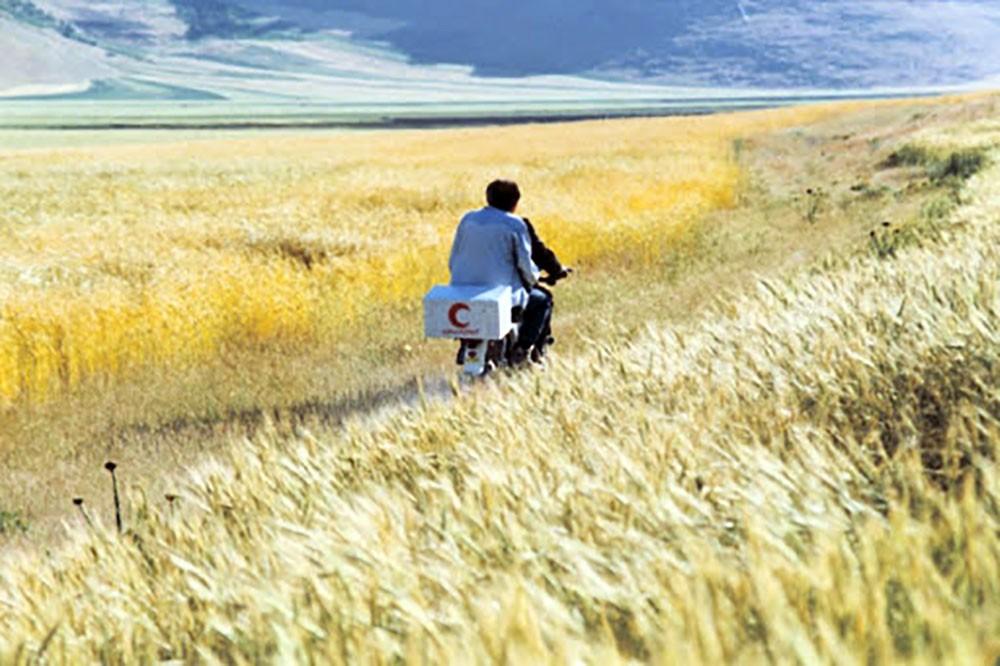 Le vent nous emportera (1999)