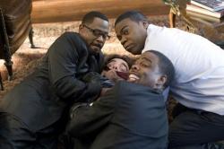 Panique aux funérailles (2010)