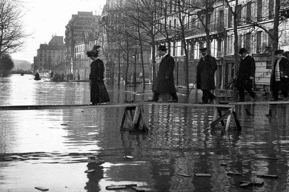 Paris sous les eaux (2004)