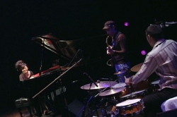 Hiromi The Trio Project : Move Live in Tokyo (2014)