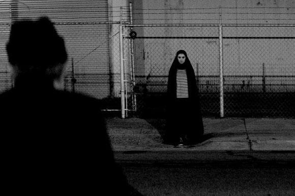 A Girl Walks Alone at Night (2014 )