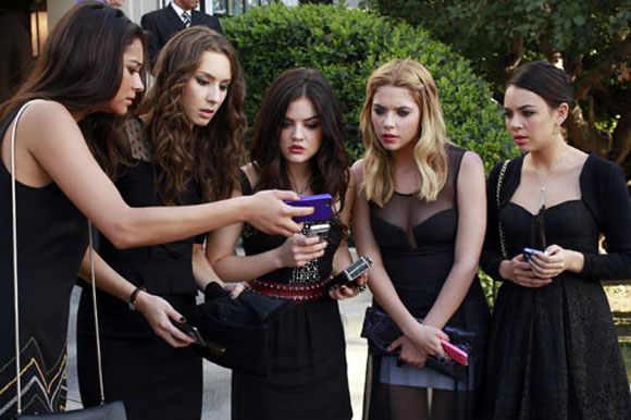 Pretty Little Liars saison 4 (2014)